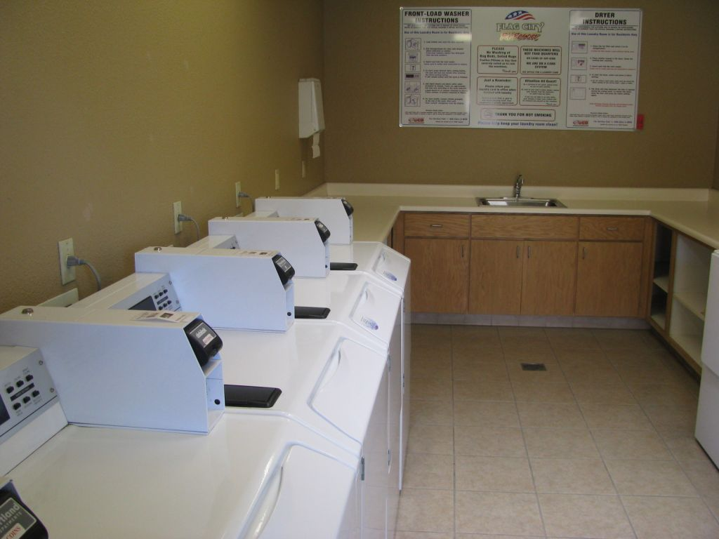 flag city laundry room